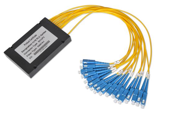 Les coupleurs 1*32 et 2*32 de fibre optique avec 0.9mm 2.0mm 3.0mm câblent, diviseur de fibre multimode